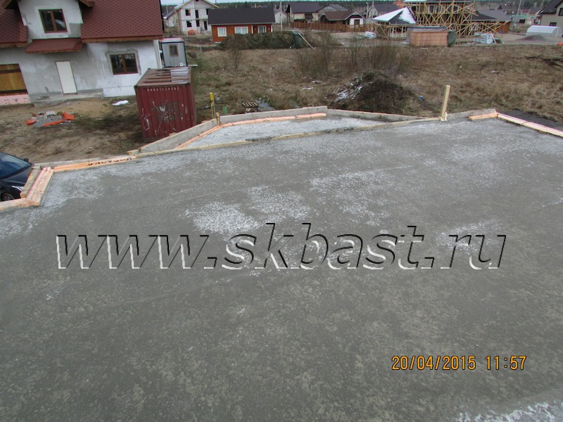 montaj-monolitnoi-plity-prerekrytiya-doma-po-proektu-k-185-1k-2015