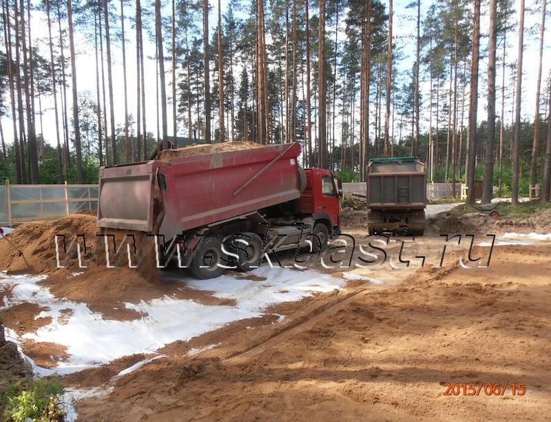 dostavka-peska-na-ustroistvo-podushki-v-viritse-63-08