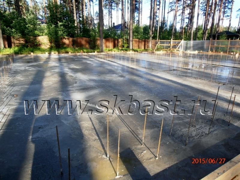 smontirovan-fundament-plita-v-viriste-63-08