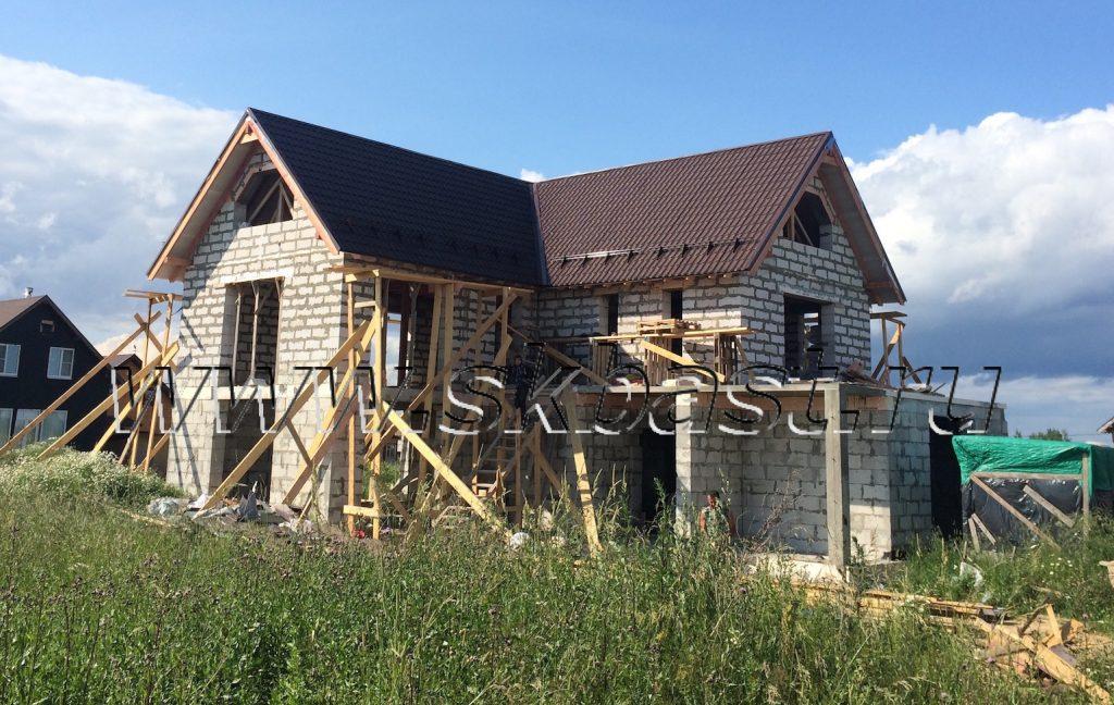 zavershaetsya-montag-krovli-doma-v-prilesnom-proekt-individualnyi-1024×648