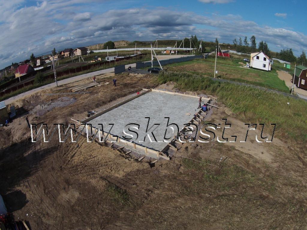 montag-opalubki-pod-fundament-stroitelstvo-doma-v-hapo-oe-po-proektu-50-82-1024×767