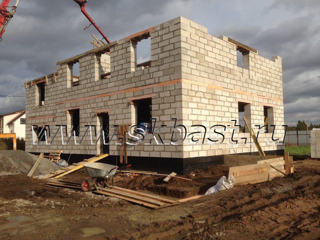 stroitelstvo-doma-po-proektu-50-82-v-hapo-oe-zalivka-betona-b25-1024×768