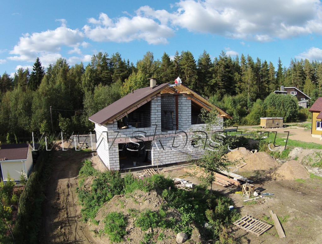 postroit-dom-po-proektu-58-01-v-len-oblasti-olshaniki-2015-1024×776