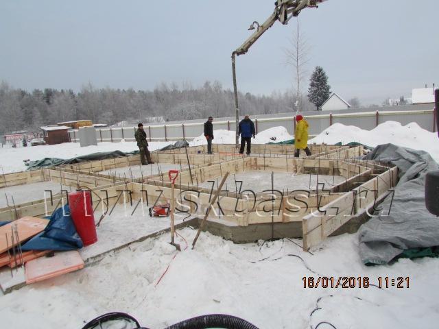 zimnee-stroitelstvo-kottedja-v-nikolskom-2016