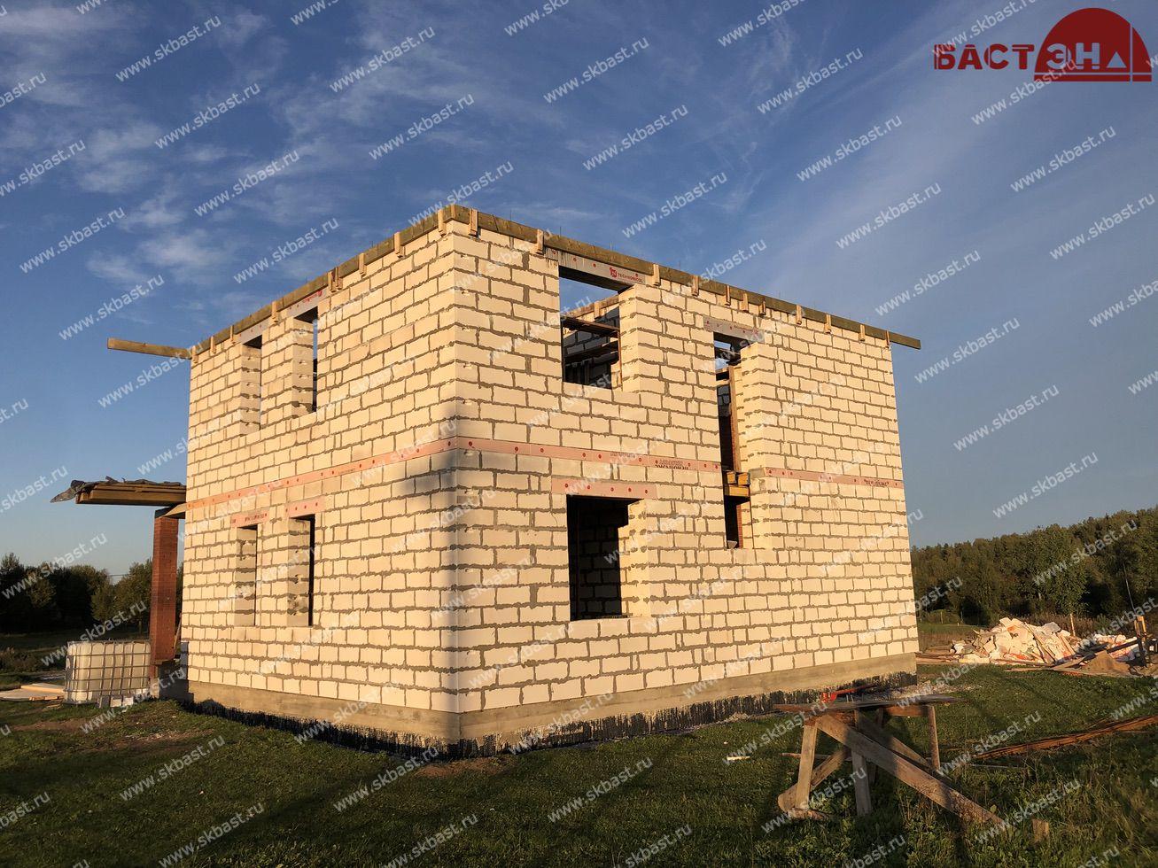 stroitelstvo-doma-po-proektu-61-51-v-shapkah-17