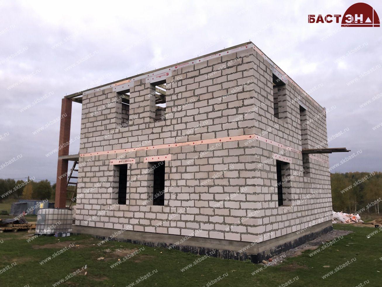 stroitelstvo-doma-po-proektu-61-51-v-shapkah-21